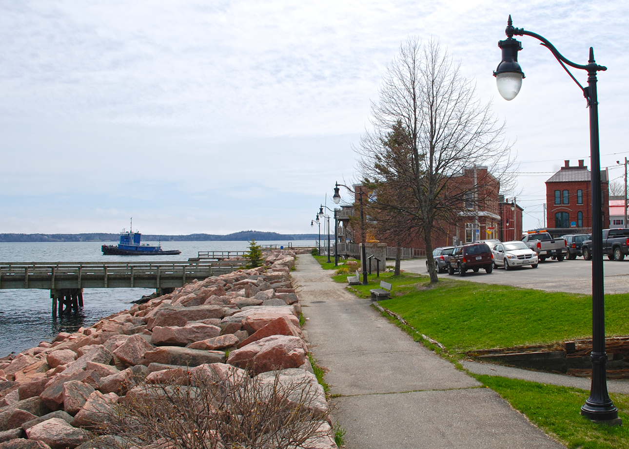 LED Lighting for Municipal Streetscapes